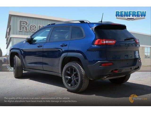 2018 Jeep Cherokee Trailhawk (Stk: P1663) in Renfrew - Image 4 of 20