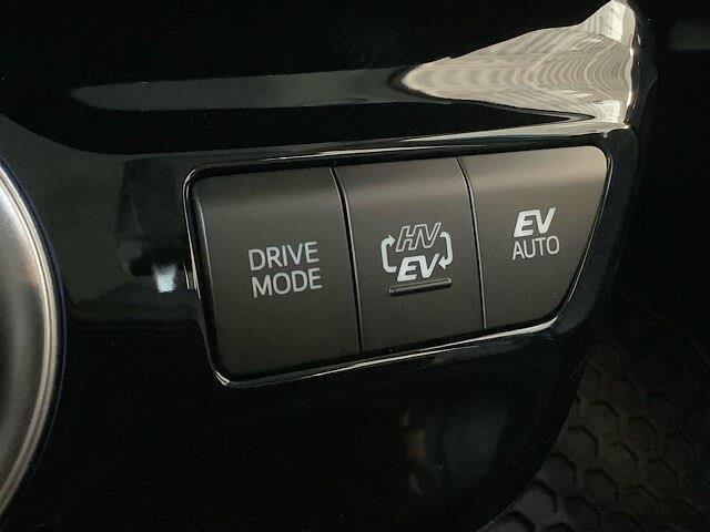 2020 Toyota Prius Prime Upgrade (Stk: 21728) in Kingston - Image 6 of 26