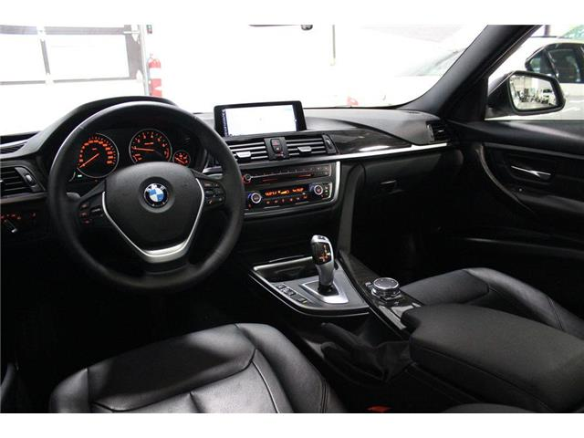 2015 BMW 328i xDrive (Stk: 984807) in Vaughan - Image 26 of 30