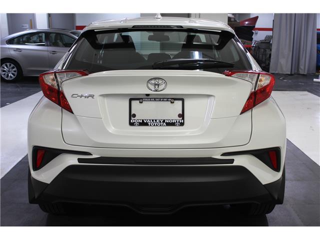 2018 Toyota C-HR XLE (Stk: 299038S) in Markham - Image 20 of 23
