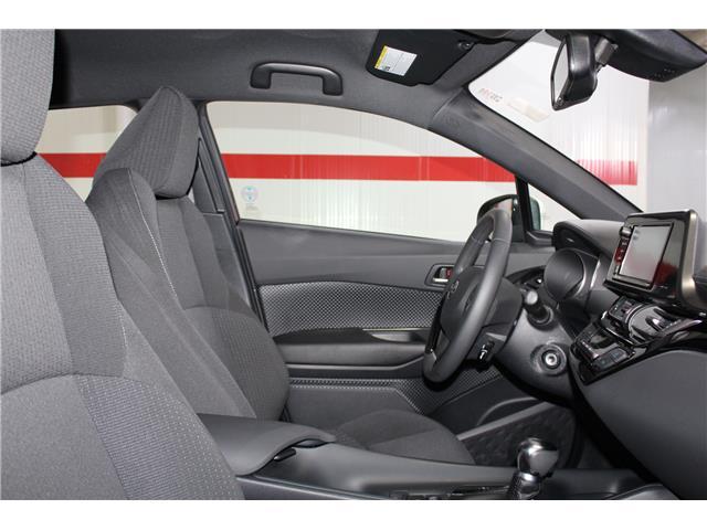 2018 Toyota C-HR XLE (Stk: 299038S) in Markham - Image 15 of 23