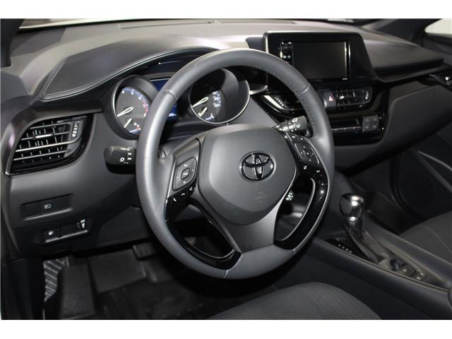 2018 Toyota C-HR XLE (Stk: 299038S) in Markham - Image 8 of 23