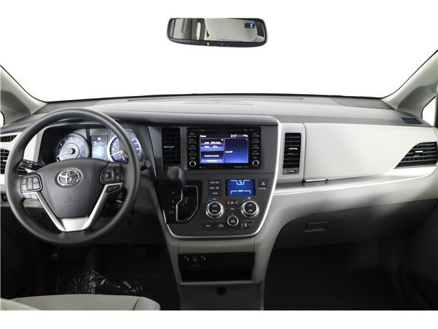 2020 Toyota Sienna LE 8-Passenger (Stk: 293825) in Markham - Image 8 of 21