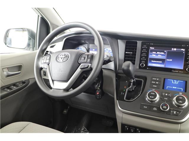 2020 Toyota Sienna LE 8-Passenger (Stk: 293825) in Markham - Image 9 of 21