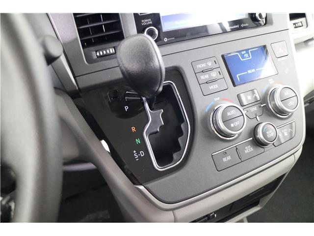 2020 Toyota Sienna LE 8-Passenger (Stk: 293825) in Markham - Image 12 of 21