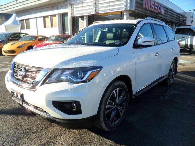 2019 Nissan Pathfinder Platinum (Stk: T19151) in Kamloops - Image 1 of 30