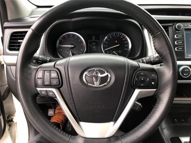2015 Toyota Highlander XLE (Stk: P3300) in Kamloops - Image 11 of 50