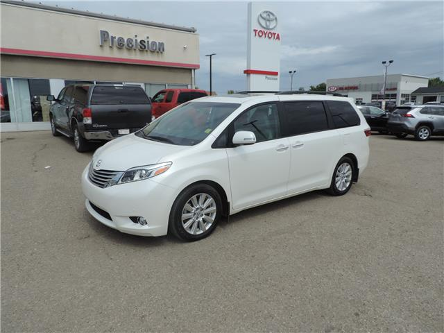 2017 Toyota Sienna Limited 7-Passenger (Stk: 17463) in Brandon - Image 2 of 21