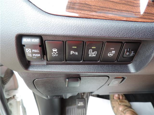 2017 Toyota Sienna Limited 7-Passenger (Stk: 17463) in Brandon - Image 10 of 21