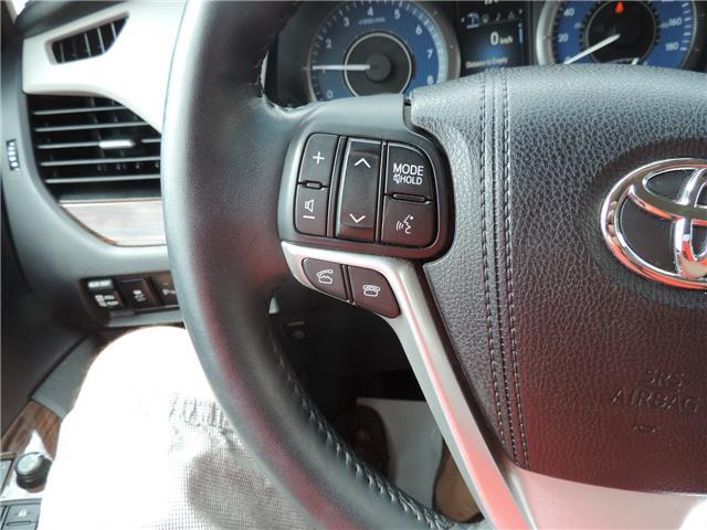 2017 Toyota Sienna Limited 7-Passenger (Stk: 17463) in Brandon - Image 12 of 21