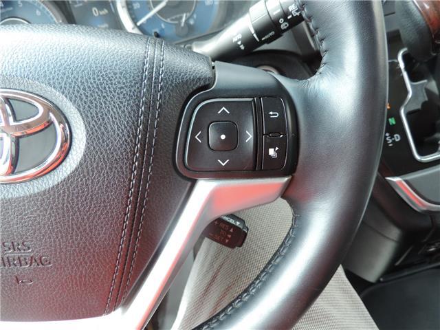 2017 Toyota Sienna Limited 7-Passenger (Stk: 17463) in Brandon - Image 13 of 21