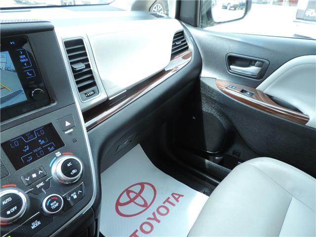 2017 Toyota Sienna Limited 7-Passenger (Stk: 17463) in Brandon - Image 19 of 21