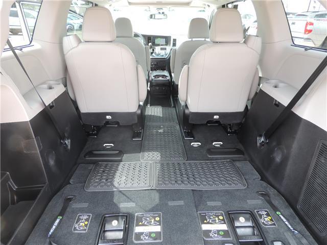 2017 Toyota Sienna Limited 7-Passenger (Stk: 17463) in Brandon - Image 21 of 21