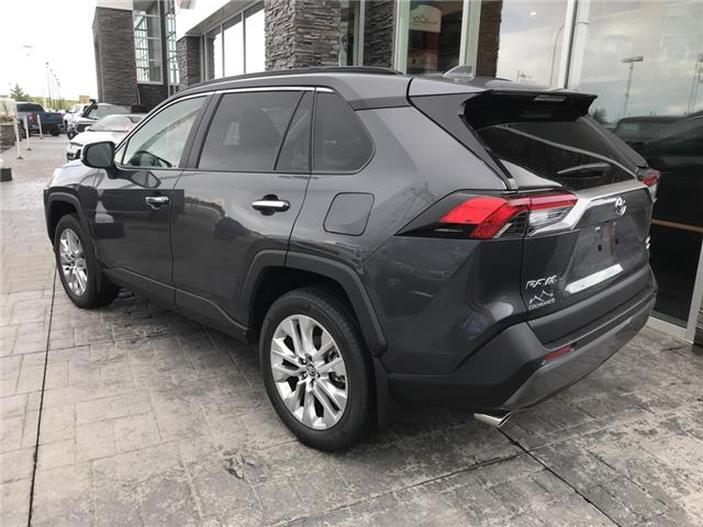 2019 Toyota RAV4 Limited (Stk: 190345) in Cochrane - Image 3 of 13