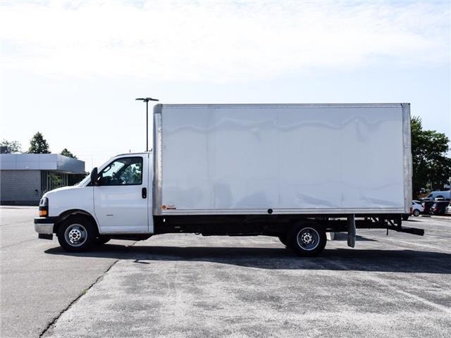 2018 GMC Savana Cutaway Work Van (Stk: A004227) in Scarborough - Image 2 of 19