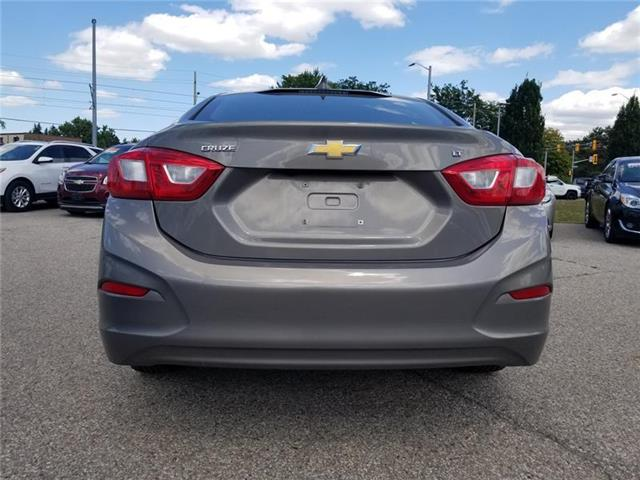 2017 Chevrolet Cruze LT Auto (Stk: 195390A) in Kitchener - Image 4 of 8