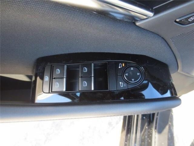 2019 Mazda Mazda3 GS Auto i-Active AWD (Stk: M19058) in Steinbach - Image 11 of 22