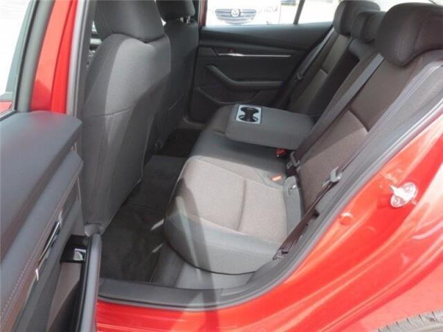 2019 Mazda Mazda3 GS Auto i-Active AWD (Stk: M19080) in Steinbach - Image 9 of 29