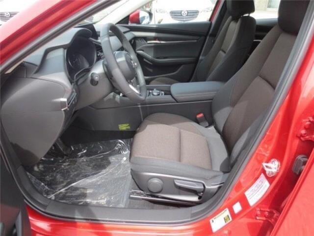 2019 Mazda Mazda3 GS Auto i-Active AWD (Stk: M19080) in Steinbach - Image 10 of 29