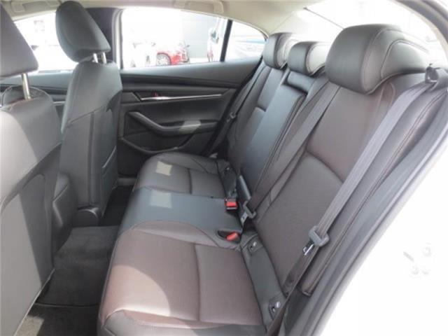2019 Mazda Mazda3 GT Auto i-ACTIV AWD (Stk: M19115) in Steinbach - Image 11 of 22