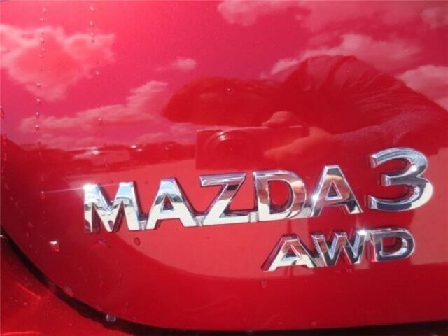 2019 Mazda Mazda3 GT Auto i-ACTIV AWD (Stk: M19138) in Steinbach - Image 8 of 27