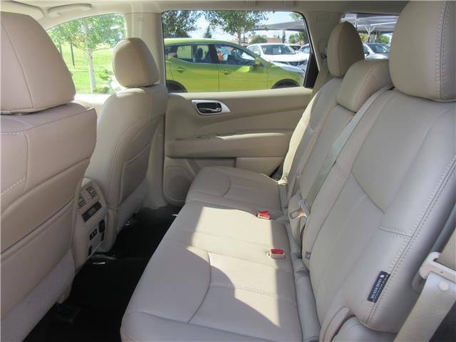 2019 Nissan Pathfinder SL Premium (Stk: 9237) in Okotoks - Image 14 of 24