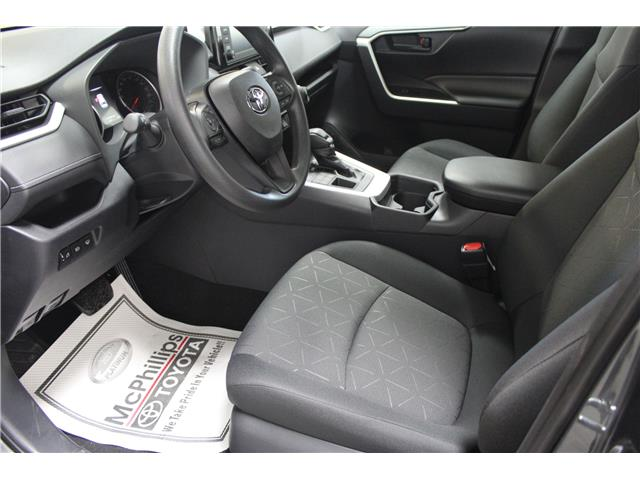 2019 Toyota RAV4 LE (Stk: C035239) in Winnipeg - Image 7 of 24