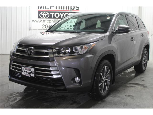 2019 Toyota Highlander XLE (Stk: S608532) in Winnipeg - Image 1 of 28