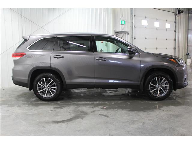 2019 Toyota Highlander XLE (Stk: S608532) in Winnipeg - Image 5 of 28