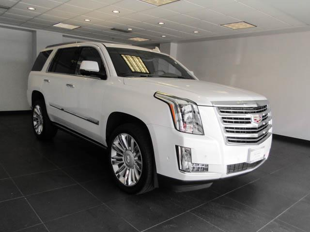 2017 Cadillac Escalade Platinum (Stk: C9-92091) in Burnaby - Image 2 of 26