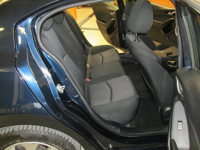 2015 Mazda Mazda3 GX (Stk: M2671) in Gloucester - Image 10 of 15