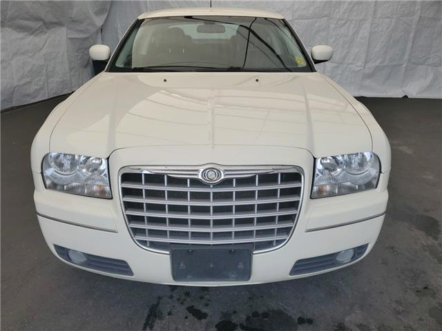 2008 Chrysler 300 Touring (Stk: I14441) in Thunder Bay - Image 2 of 12