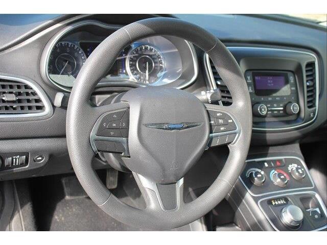 2016 Chrysler 200 LX (Stk: P0032) in Petawawa - Image 9 of 19