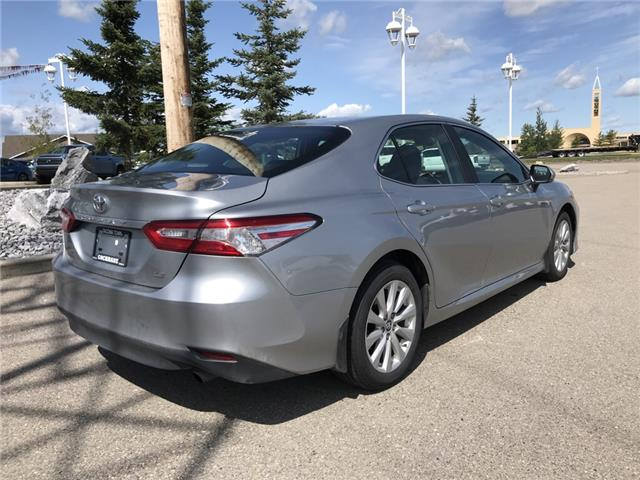 2019 Toyota Camry LE (Stk: 2858) in Cochrane - Image 7 of 15