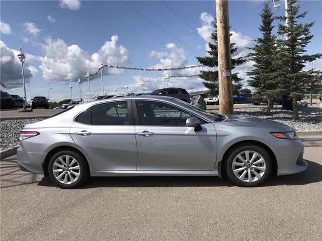 2019 Toyota Camry LE (Stk: 2858) in Cochrane - Image 8 of 15