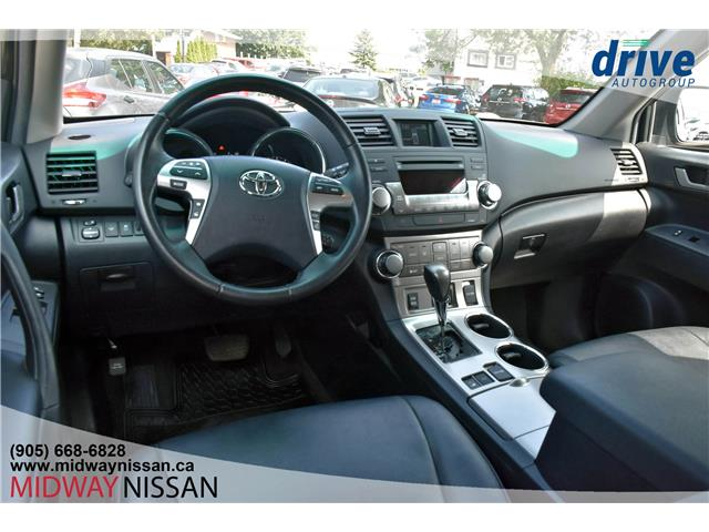 2012 Toyota Highlander V6 (Stk: KW333445A) in Whitby - Image 2 of 32