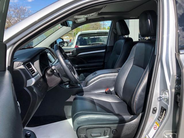 2018 Toyota Highlander XLE (Stk: W4762) in Cobourg - Image 7 of 24