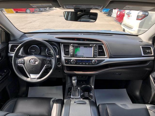 2018 Toyota Highlander XLE (Stk: W4762) in Cobourg - Image 10 of 24