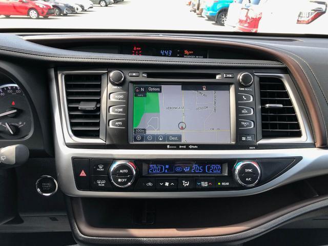2018 Toyota Highlander XLE (Stk: W4762) in Cobourg - Image 16 of 24