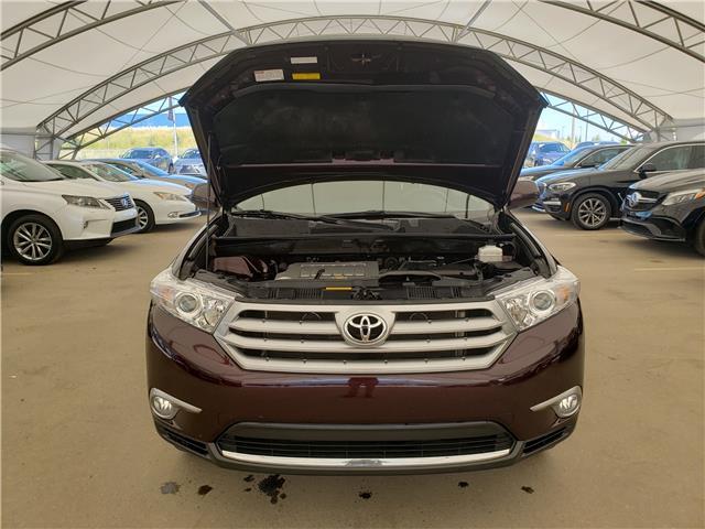 2013 Toyota Highlander V6 (Stk: L20022A) in Calgary - Image 10 of 23
