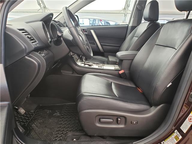 2013 Toyota Highlander V6 (Stk: L20022A) in Calgary - Image 12 of 23