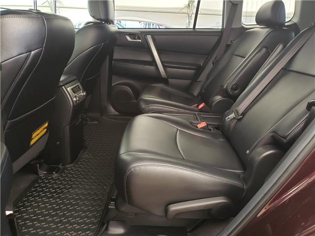 2013 Toyota Highlander V6 (Stk: L20022A) in Calgary - Image 13 of 23