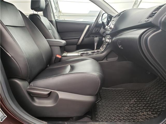 2013 Toyota Highlander V6 (Stk: L20022A) in Calgary - Image 16 of 23