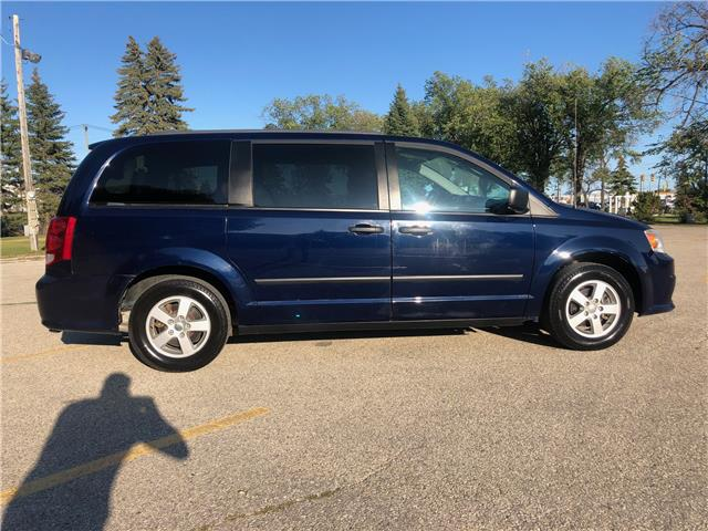 2012 Dodge Grand Caravan SE/SXT (Stk: ) in Winnipeg - Image 4 of 22