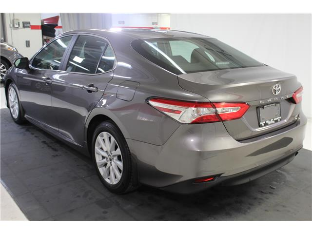 2019 Toyota Camry LE (Stk: 299117S) in Markham - Image 18 of 25