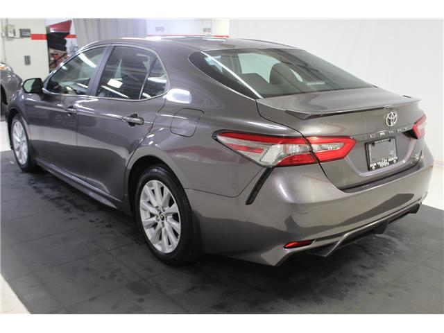 2019 Toyota Camry SE (Stk: 299120S) in Markham - Image 18 of 25