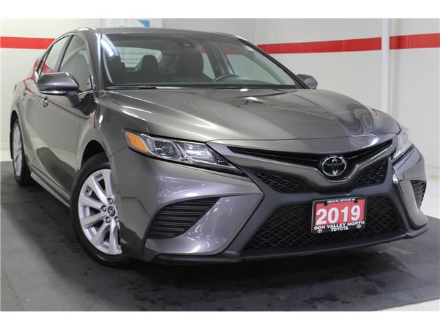 2019 Toyota Camry SE (Stk: 299120S) in Markham - Image 1 of 25