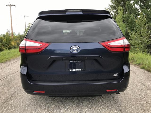 2019 Toyota Sienna LE 7-Passenger (Stk: 2915) in Cochrane - Image 4 of 18