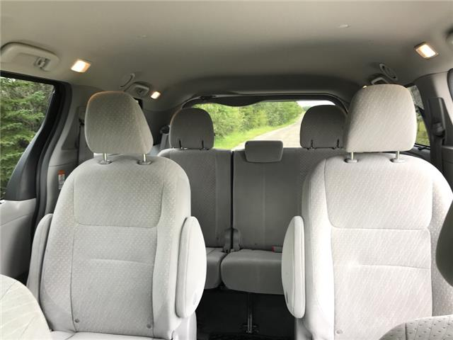 2019 Toyota Sienna LE 7-Passenger (Stk: 2915) in Cochrane - Image 13 of 18