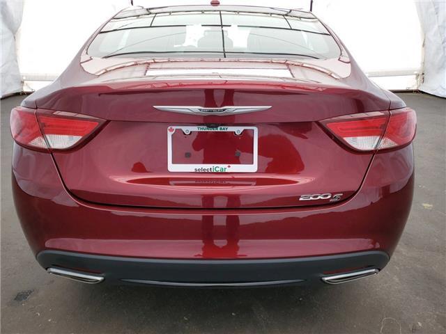 2016 Chrysler 200 S (Stk: I15661) in Thunder Bay - Image 11 of 14